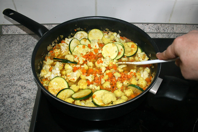 23 - Verrühren & aufkochen lassen / Stir & bring to a boil