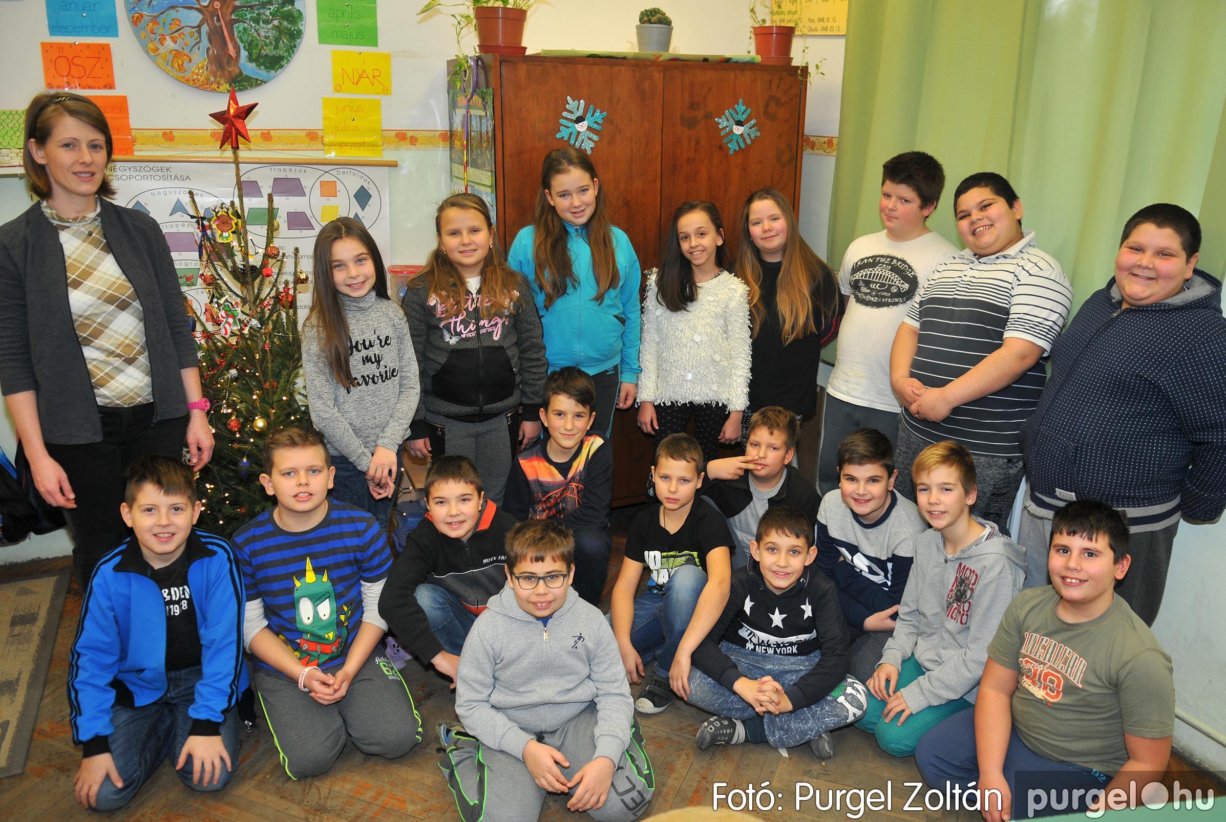 2016.12.16. 006 Forray Máté Általános Iskola ajándék fotózás - Fotó:PURGEL ZOLTÁN© D3K_6876q.jpg