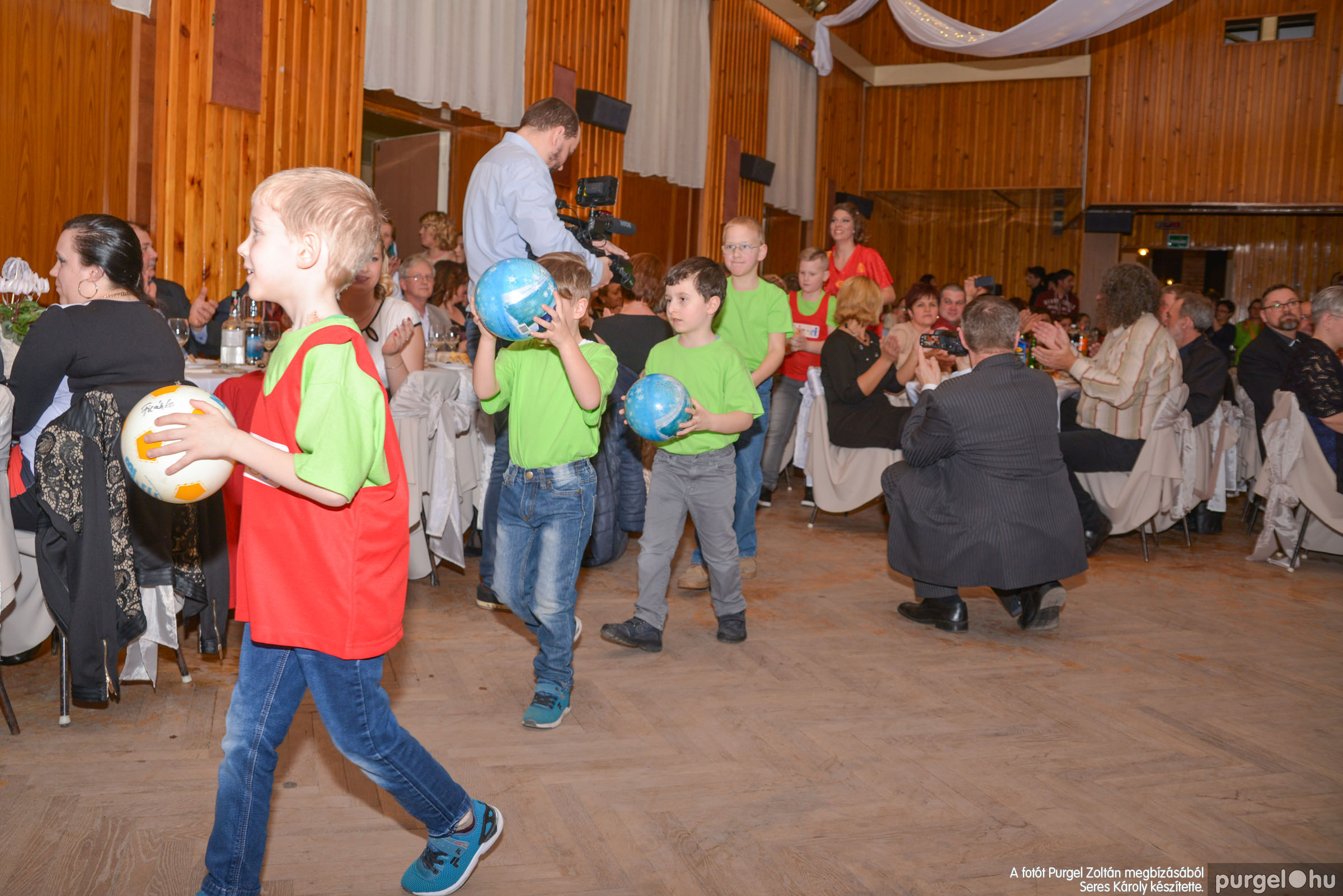 2017.03.11. 044 Kurca-parti Óvoda jótékonysági bál - Fotók:SERES KÁROLY© DSC_8455.jpg