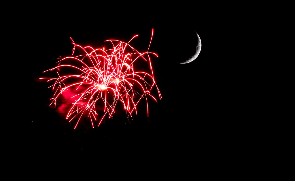 Fireworks Moon3 jpg | Brooksby Farm Orchard View | ריק | Flickr