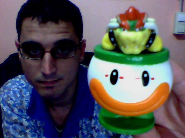 Super Mario - Bowser with Koopa Clown Car Figure / Figura de Bowser con Koopa Clown Car