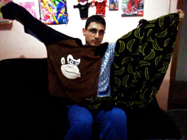 Super Mario - Donkey Kong Pajamas / Pijama de Donkey Kong