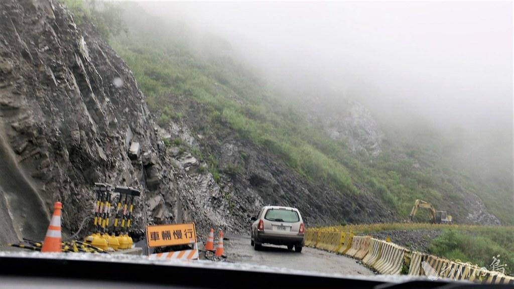 沿著台24縣進入山區,道路狀況越來越不穩定。