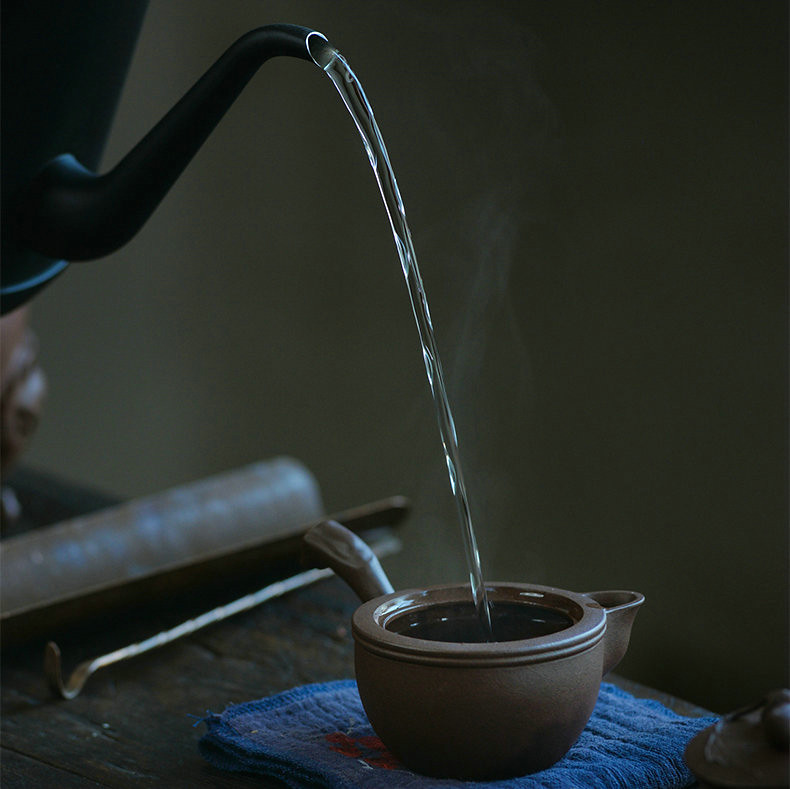 """Yixing Teapot """"Bi Tao Tang Yu""""Zi Ni Mud 100CC, for Chinese Tea"""