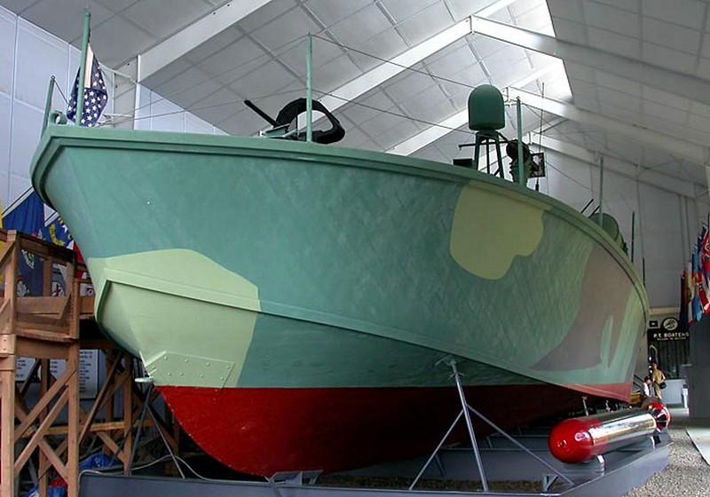 PT Boat PT-617 00005