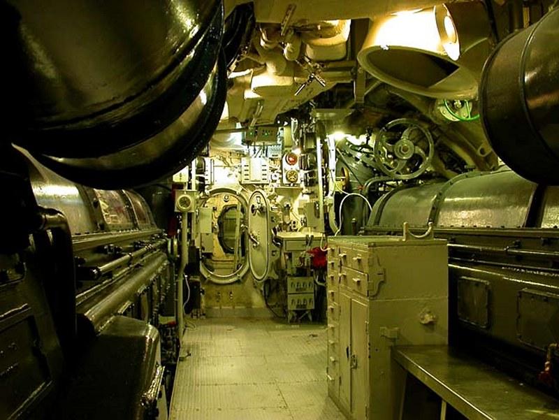 USS Lionfish SS-298 00006