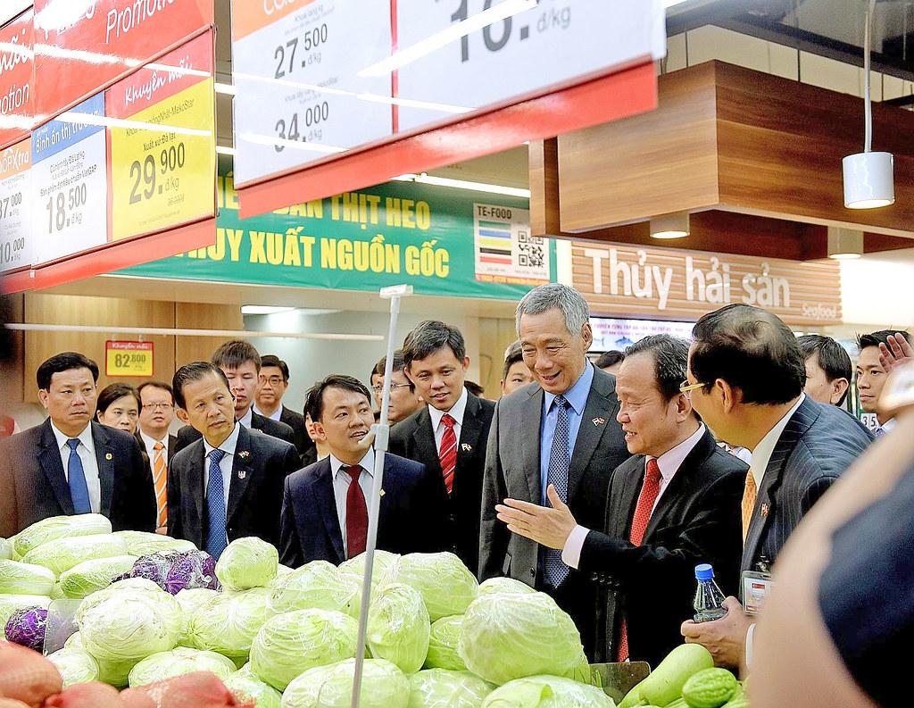 Thủ tướng Singapore Lý Hiển Long ghé SC VivoCity trong lần đến tham dự khai trương Mapletree Business Centre quận 7.