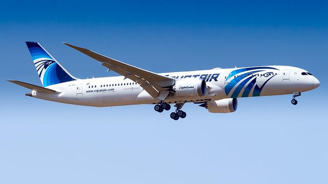 Boeing 787-9 Dreamliner SU-GES EgyptAir