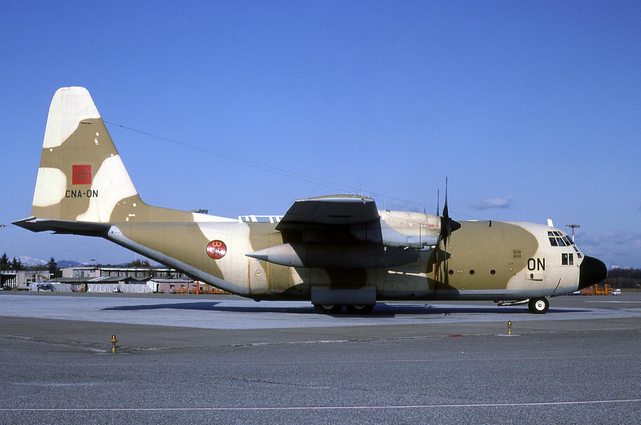 FRA: Photos d'avions de transport - Page 38 48463314871_bde1e01480_o