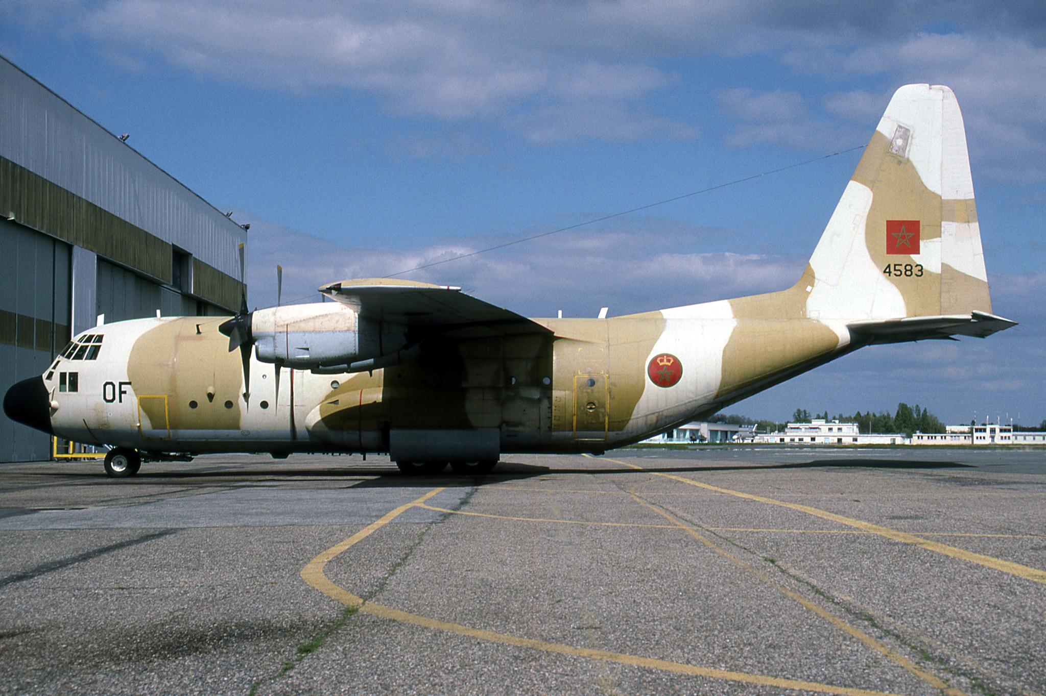 FRA: Photos d'avions de transport - Page 38 48463315321_b126b46bf8_o