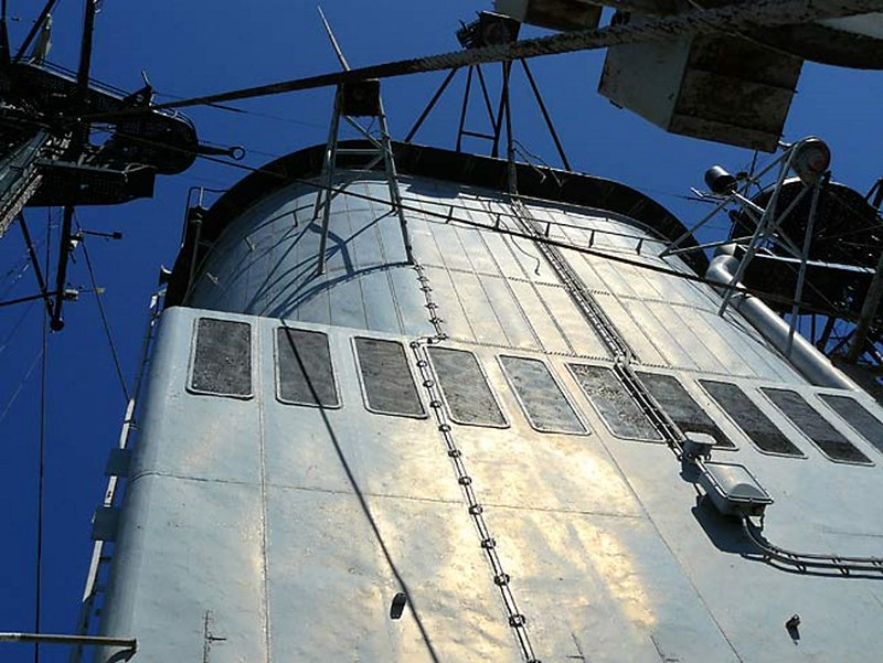 USS Salem 00009