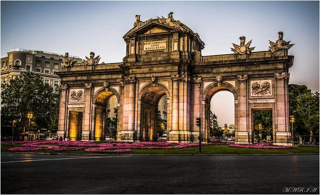 PUERTA DE ALCALÁ  —-MADRID —-ESPAÑA