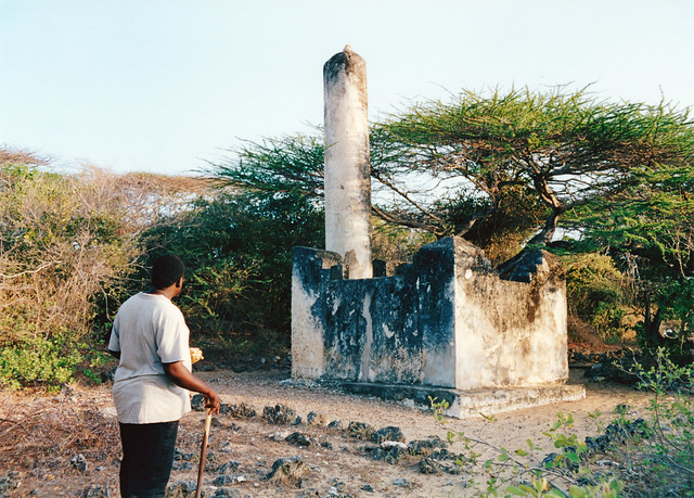 Pillar Tomb, Takwa