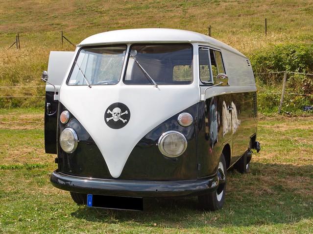 VW Bus T1 schwarz weiß