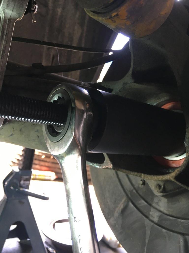 Rear Wheel Bearing Replacement Guide • MyE28 com