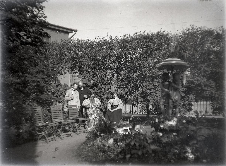 21. 1897. Родственники Живаго. «На Моховой. После завтрака...»