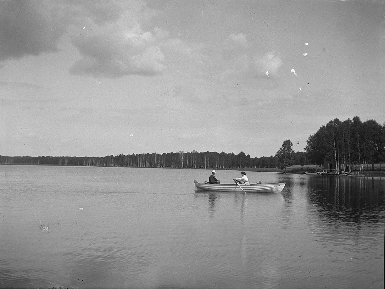13. 1897. В лодке. Мария Малютина