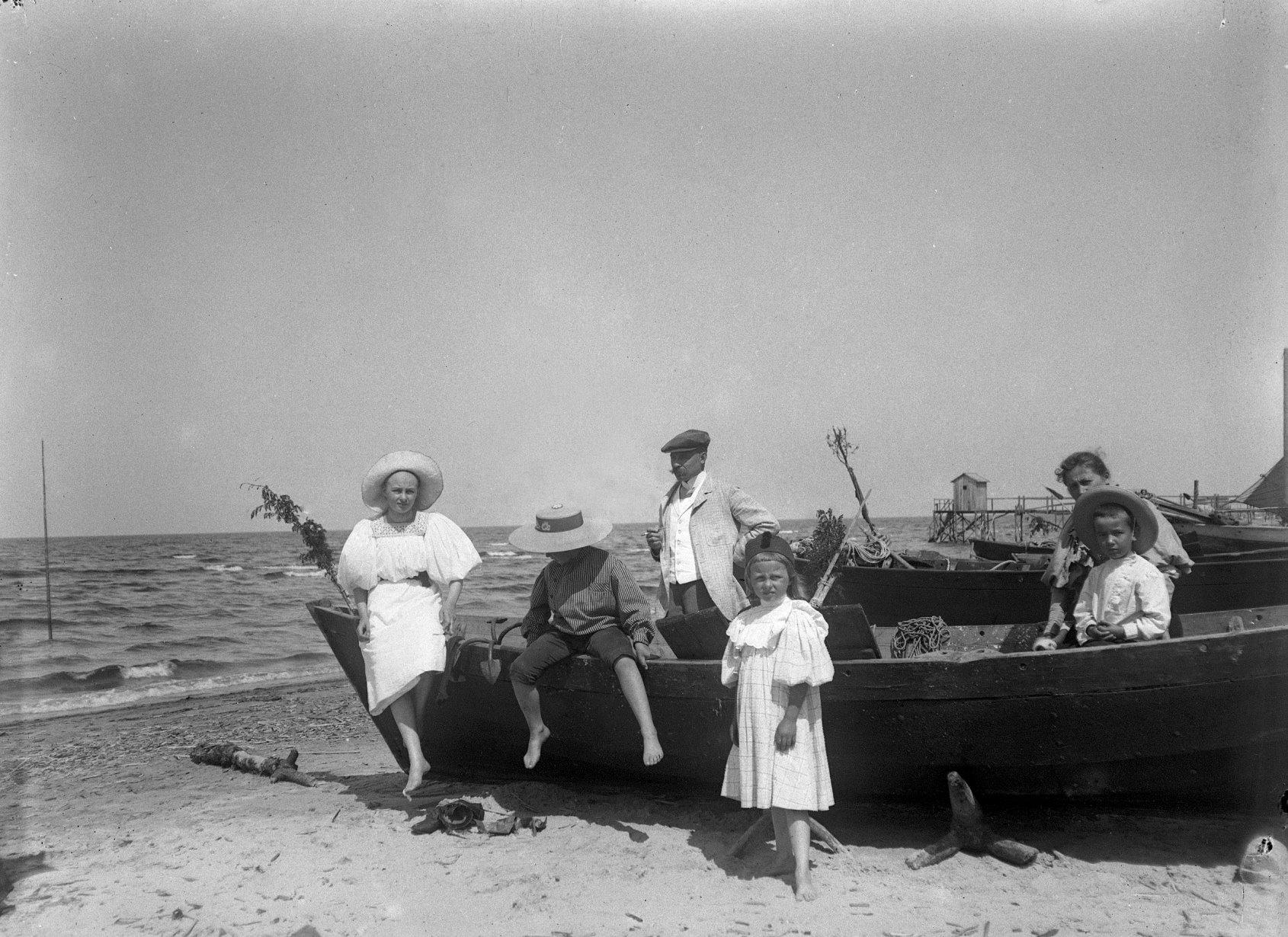 18. 1897. Эдинбургское побережье. Роман Живаго с детьми. Рижское взморье.