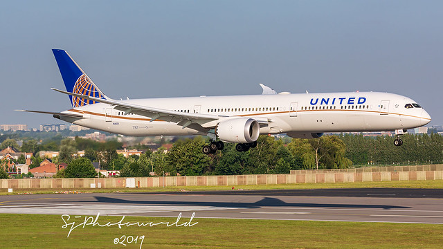 United Boeing B787-X N14001