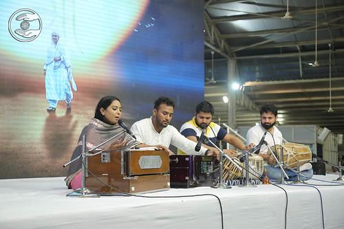 Devotional song by Sapna-Panna, Delhi