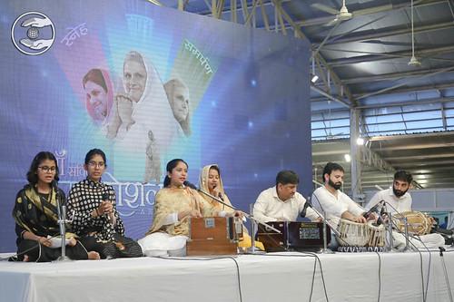 Hindi Bhajan by Aarti Shobhita and Sathi, Chandigarh