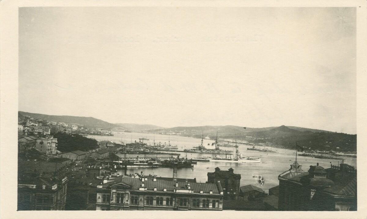 16. Вид гавани Владивостока