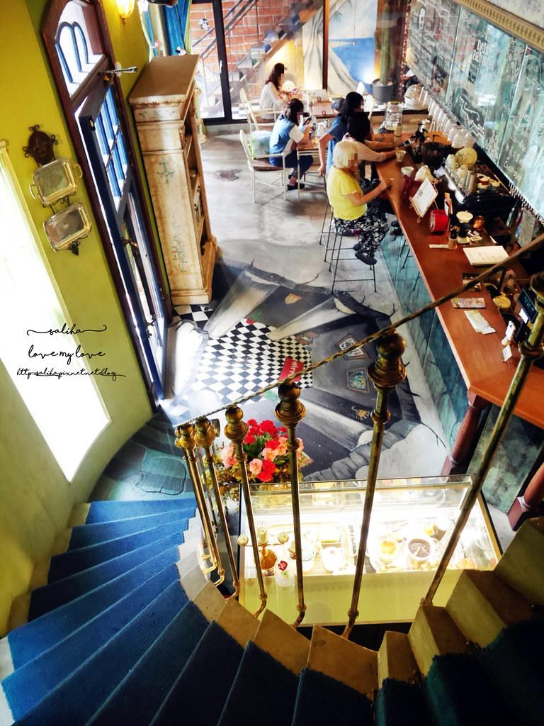台中西區草悟道競子咖啡氣氛好浪漫愛麗絲夢幻餐廳 (7)
