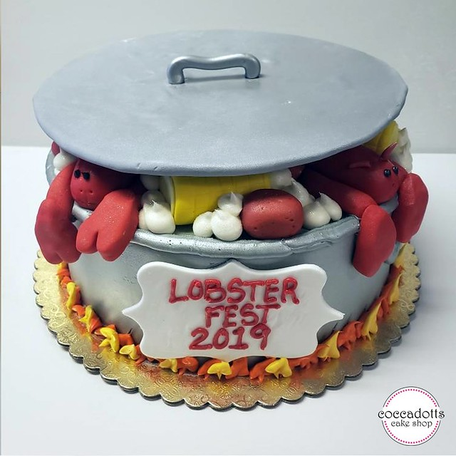 Pot of Lobsters by Coccadotts Cake Shop