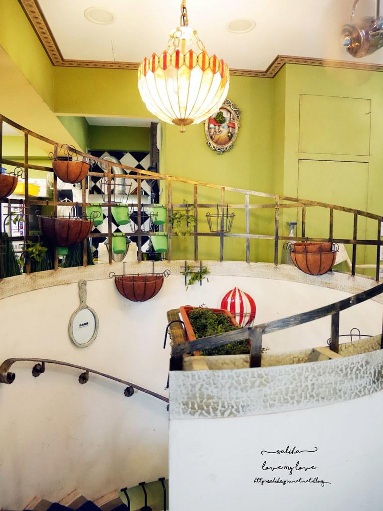 台中西區草悟道競子咖啡不限時間氣氛好浪漫愛麗絲夢幻餐廳 (6)