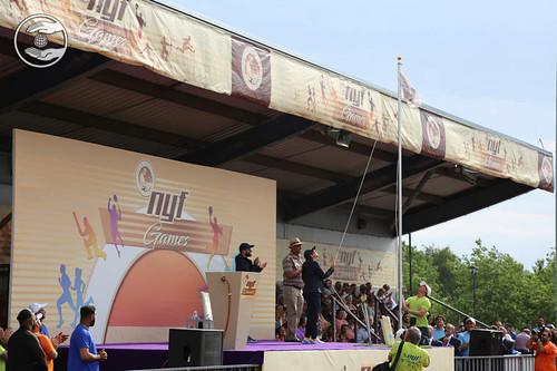 Her Holiness Satguru Mata Ji hoisting the White Flag