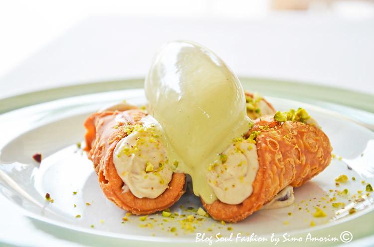 Cannelloni de ricota com sorvete de pistache