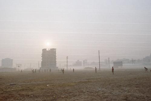 suburbandhaka istillshootfilm dhakadivision streetphotography fujicolorc200 nikonfm10 film bangladesh fujifilm banasree mist beautifullight nikon dhaka fog analogphotography dawn analog ai28mmf35
