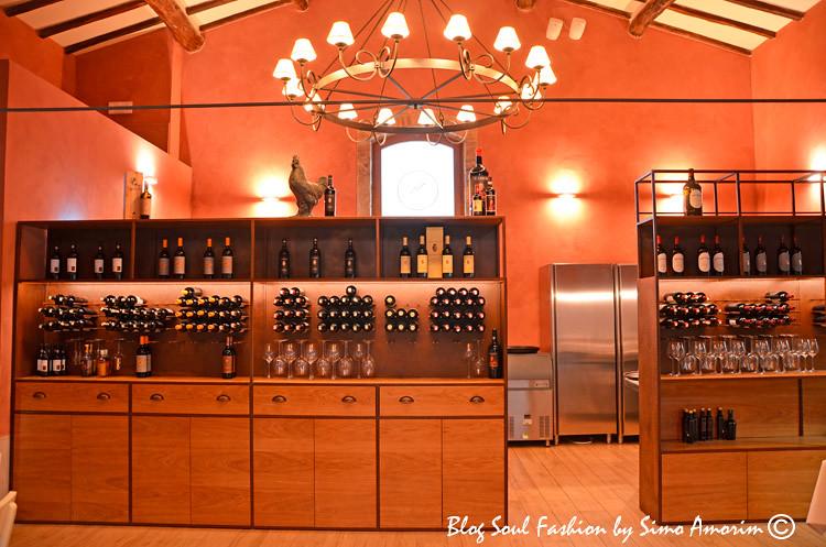 Detalhes da Osteria del Grigio que assim como o restaurante estrelado Pogggio Rosso são abertos também aos não hospedés do hotel