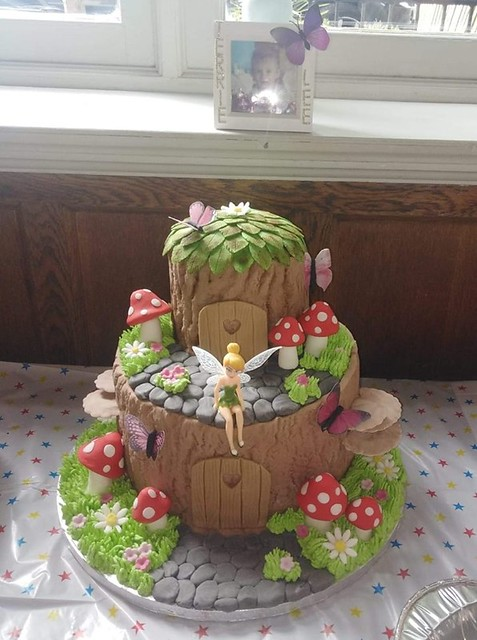 Cake by Victoria Michaelides-Isted