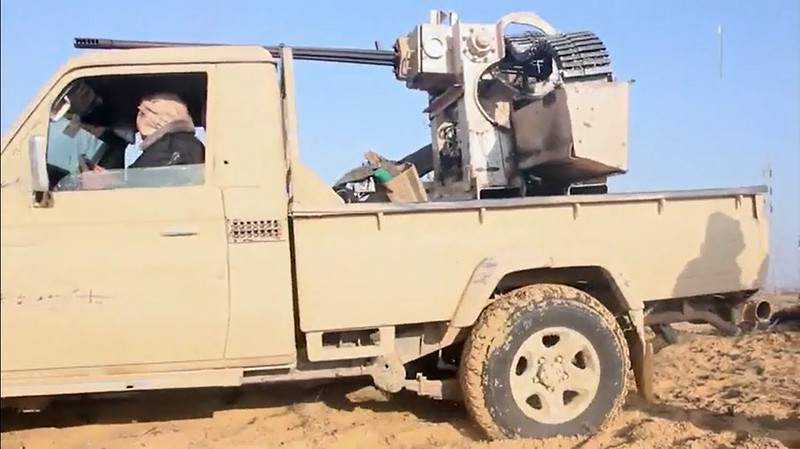 Oerlikon-25mm-from-AIFV-q-on-truck-ISIS-sinai-c2018-obtw-2