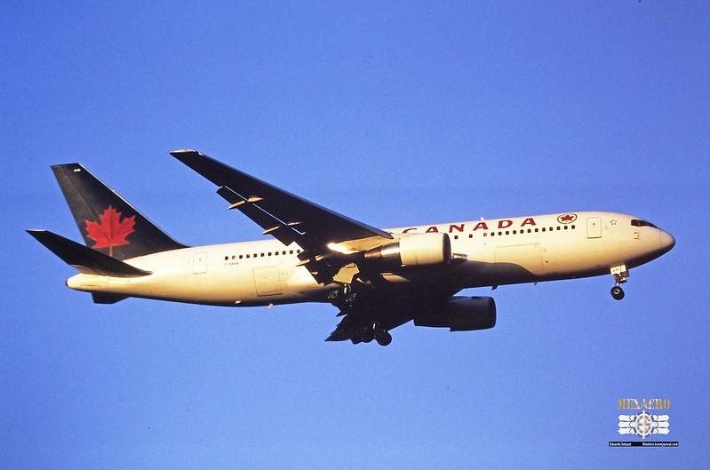 Air Canada / Boeing 767-233(ER) / C-GAVA