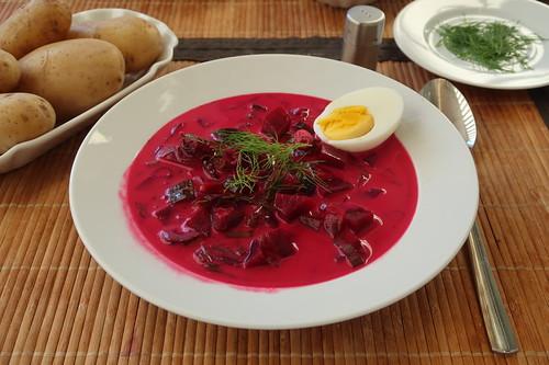 Kalte Rote Bete Suppe mit Pellkartoffeln (mein 1. Teller)