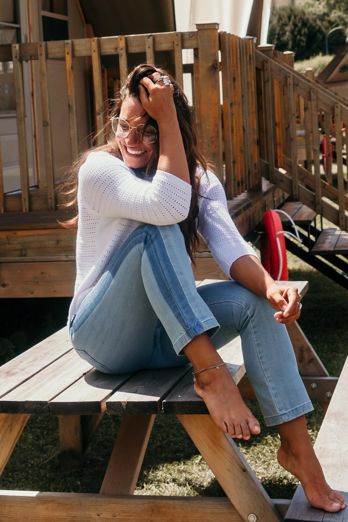 camille dg jeans deux couleurs table à pique-nique
