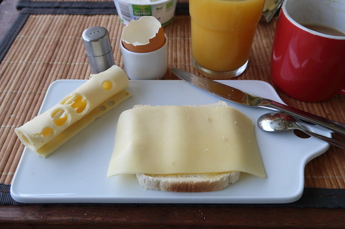 Toast mit Butterkäse und Maasdamer
