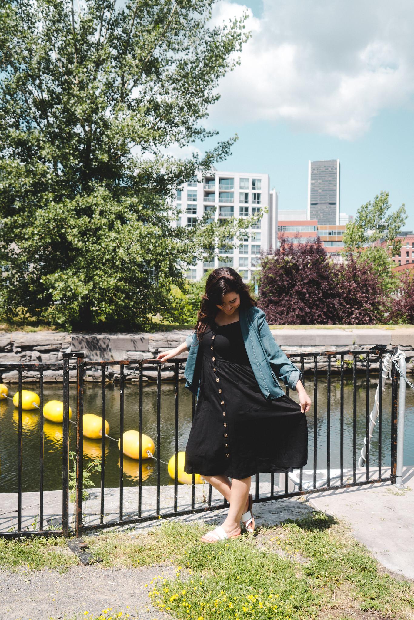 marie-chloe falardeau robe noire veste jeans reitmans
