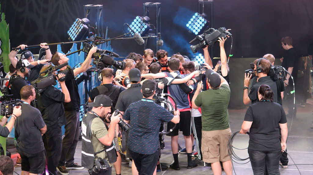 Victory huddle after EXP Invitational - Apex Legends at X Games Minneapolis 2019