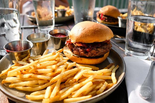 Burger w/ plum and rhubarb chutney, bacon, brie - Table 9
