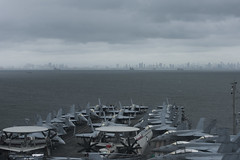 USS Ronald Reagan (CVN 76) anchors outside Manila while arriving for a port visit, Aug. 7. (U.S. Navy/MC3 Codie L. Soule)