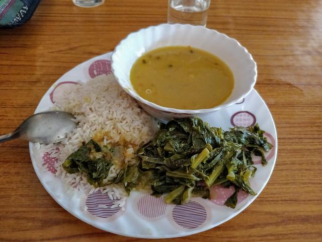 Déjeuner au monastère