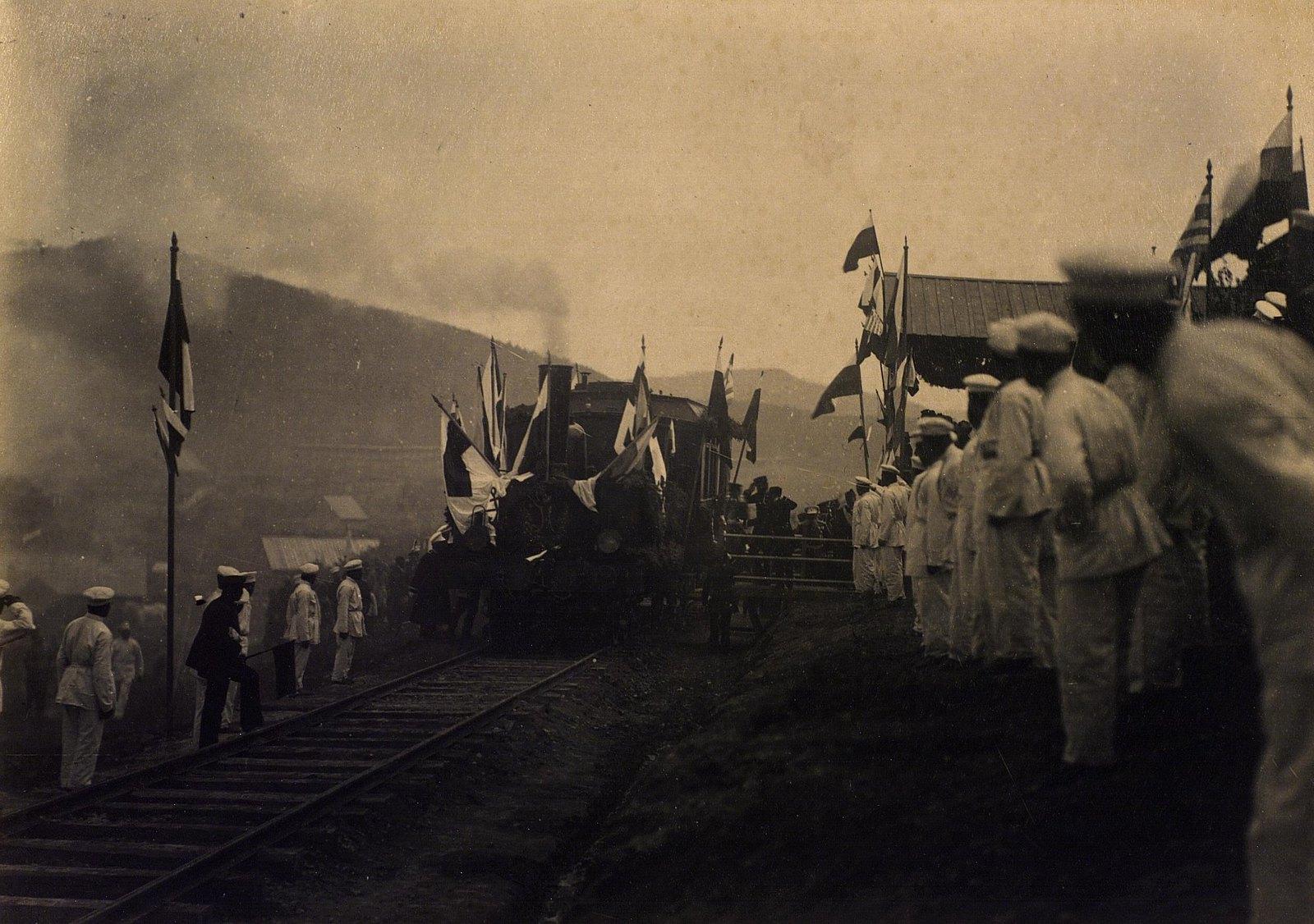 16. 1891. Владивосток. Первый вагон Великой Сибирской ж. д. в котором ехал цесаревич