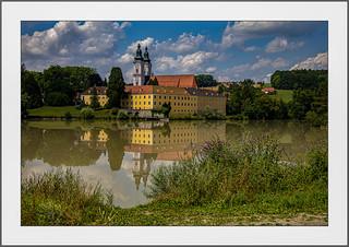 Spiegelung im Inn (Reflection in the river Inn)