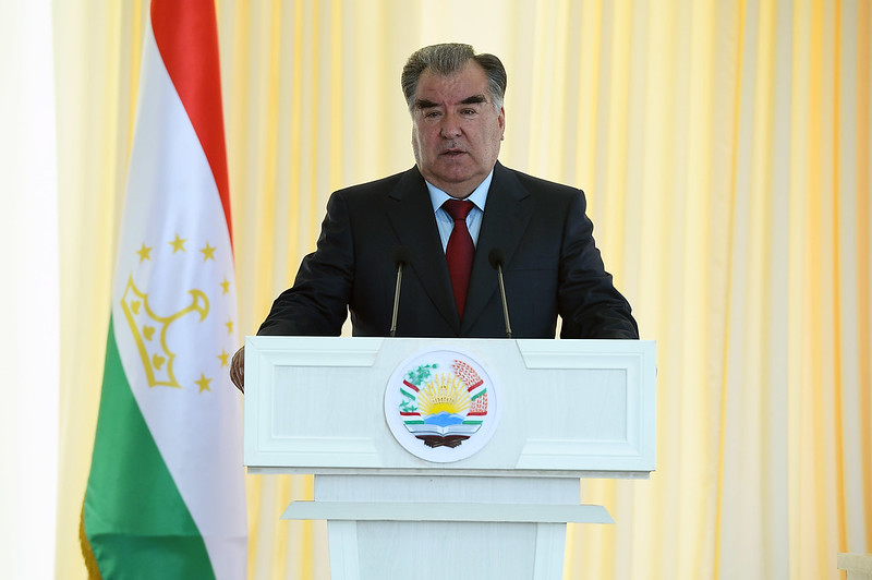 Лидер нации Эмомали Рахмон встретился с жителями и активом Ховалингского района