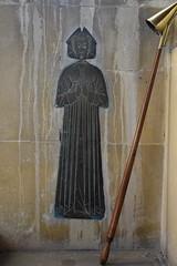 woman in a kennel headdress (mid-C15)