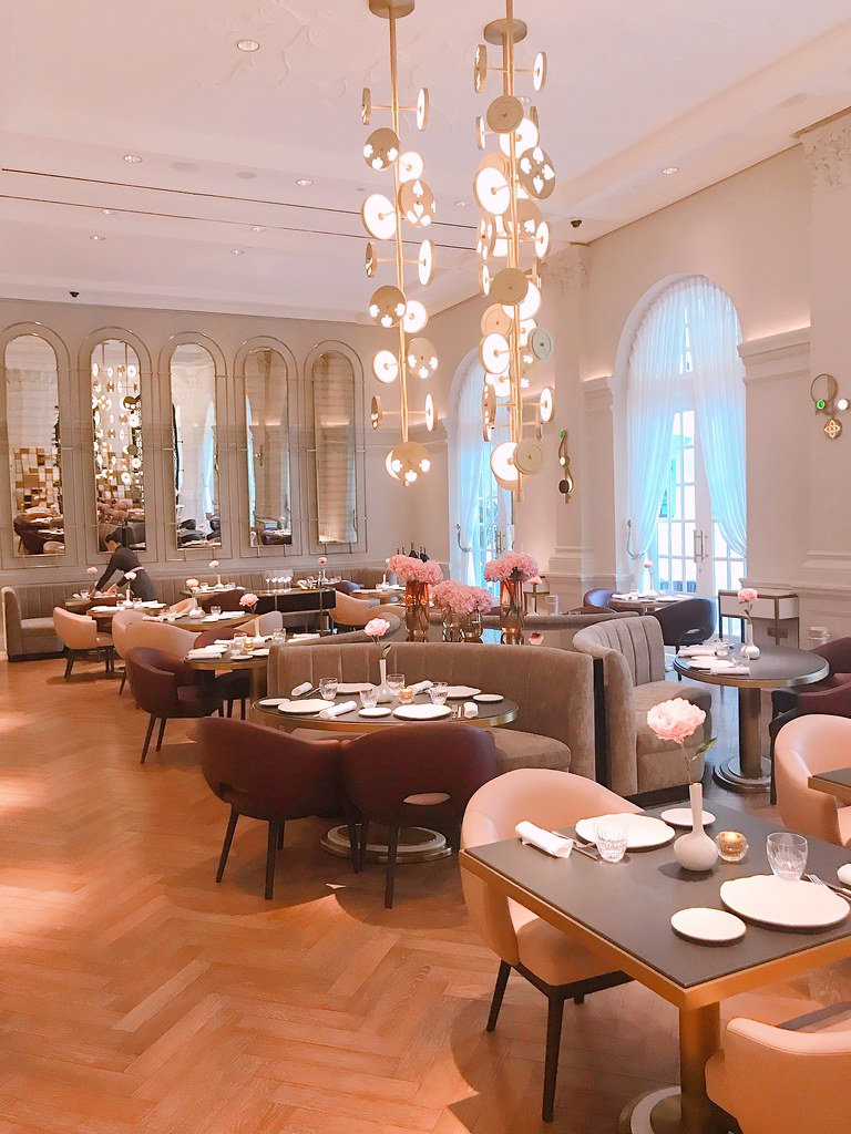 La Dame De Pic takes good advantage of the original high ceilings at Raffles Singapore