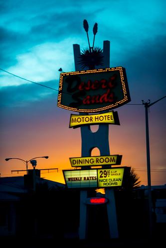 albuquerque america desertsandsmotel newmexico route66 usa unitedstates unitedstatesofamerica motel neon sunset fav10